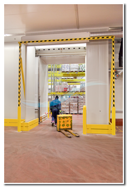 Cold store dehumidifier: Air Door passage to freezer, application AFIM IGLO®